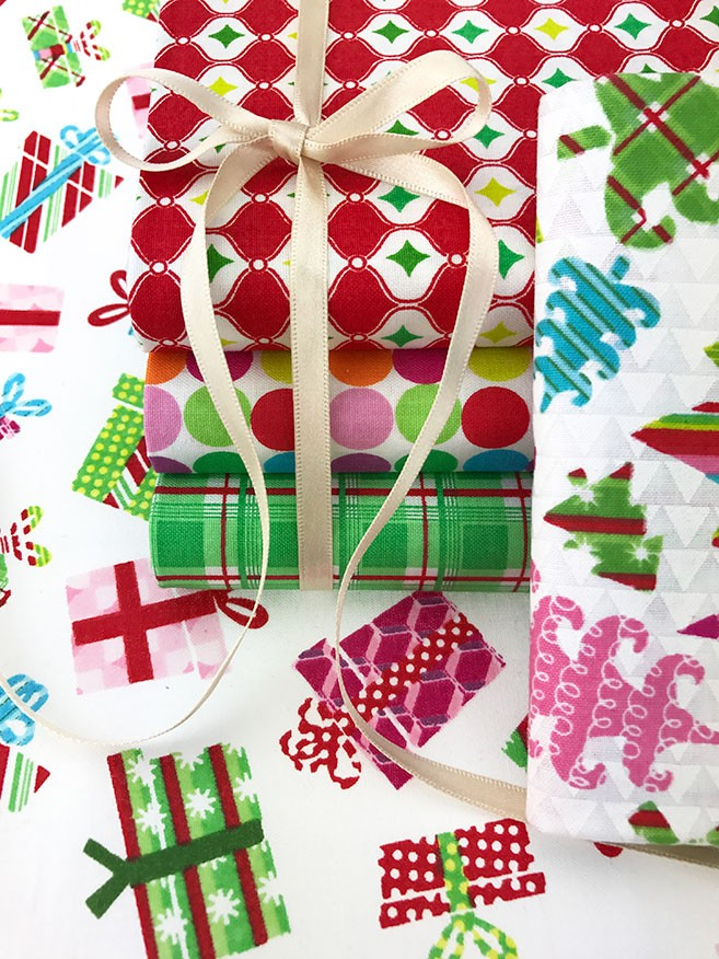 Fabric Editions Modern Christmas Bundle MD-G-BND-MC Fat 1/4 Pack - 5 pieces