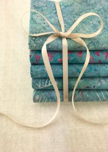 Doughty's Exclusive Bali Batik - 5 x Fat 1/4 Pack Turquoise