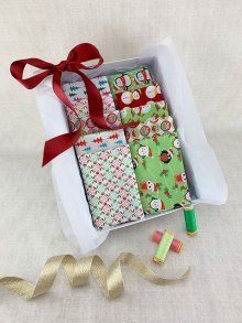 Gift Hamper - Sale Christmas 1/2 metres, Threads & Display Box