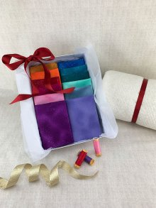 Gift Hamper - Fabric Freedom Sparkle Fat 1/4s, Threads, Wadding & Display Box