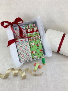 Gift Hamper - Sale Christmas Fat 1/4s, Threads, Wadding & Display Box