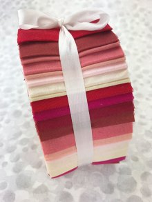 Fabric Freedom Jelly Roll - Strawberry & Cream