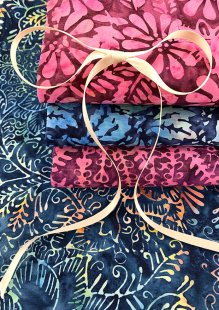 Kingfisher Bali Batik - 4 x Fat 1/4 Pack 14