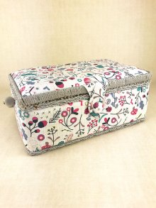 Sewing Box - Birds and The Bees MRSRF\194-Grey