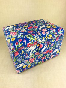 Sewing Box - Friends in the Garden HGMS\323-Blue